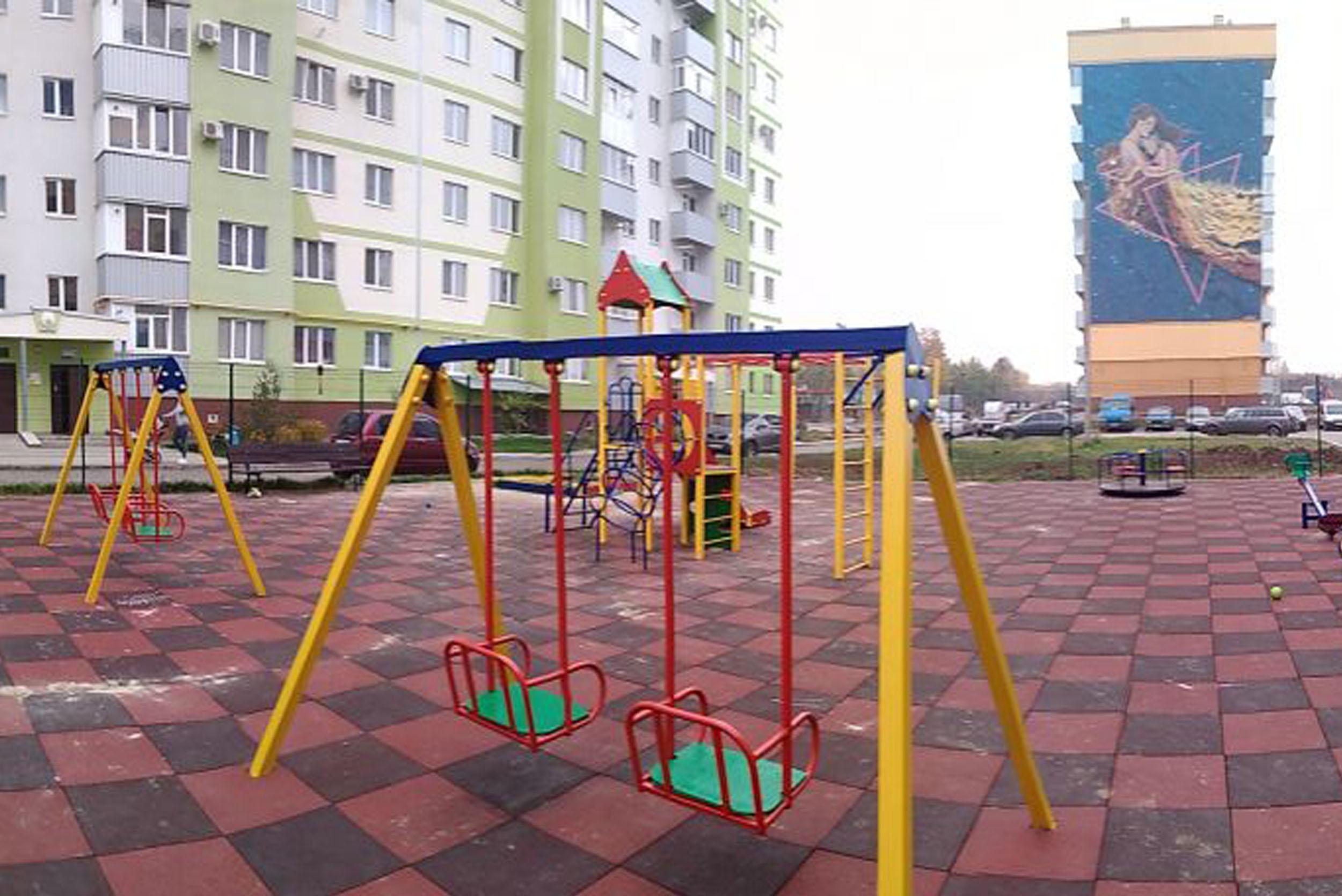 Детские площадки на Садовом в Полтаве